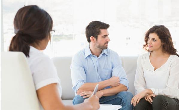 Η συμβουλευτική γάμου, γνωστή και ως θεραπεία ζεύγους, είναι μια μορφή ψυχοθεραπείας